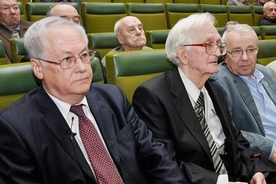 Доклад директора ИО РАН академика Р.И.Нигматулина о деятельности Института в 2009 году